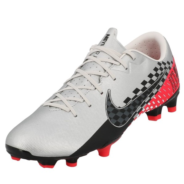 chaussures a crampons nike