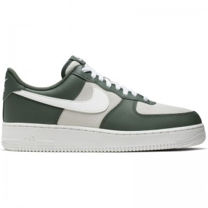 Chaussure Nike Air Force 1 '07 LV8 3 Vert pour homme
