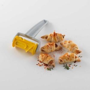 Roulette découpe pâte pour croissant Betty Bossi